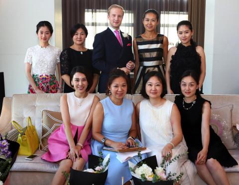 """中国富豪送娃到英国学""""贵族礼仪"""" 英王室却选择了平民图片"""