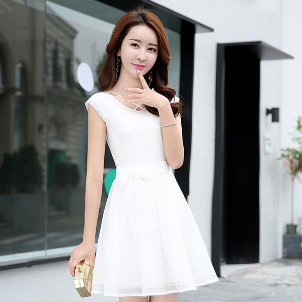 40岁的小姨穿了第5款连衣裙, 显的年轻还优雅