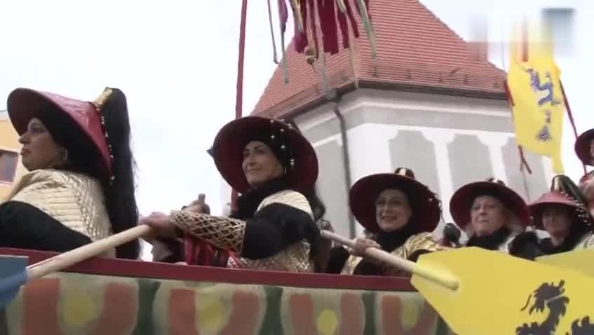 德国小镇居民自称是中国人 山寨版的春节比我们还热闹