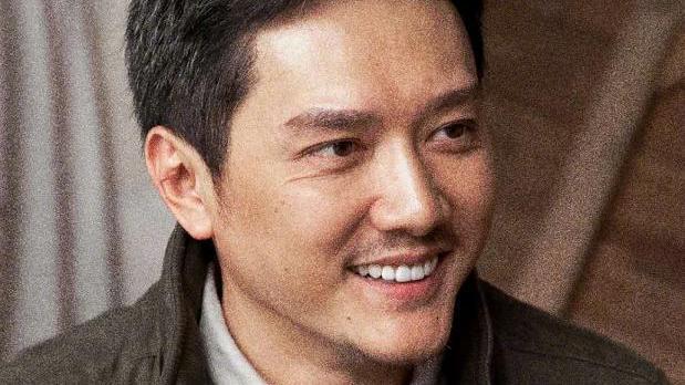 冯绍峰42岁生日,赵丽颖晒照送祝福,祝福二叔生日快乐!