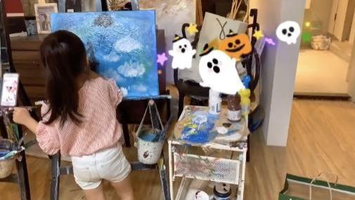 李靓蕾感慨嘉娜已经有少女的模样 王力宏3岁小女儿超会画画,