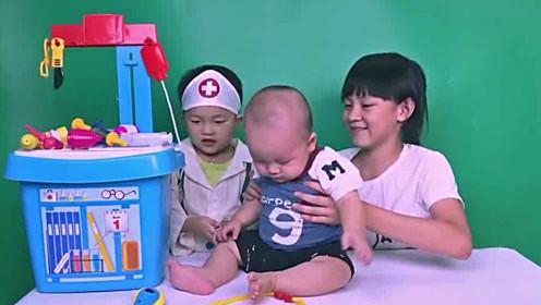 【最新】[拍客]打针哭闹宝宝还不忘卖萌_标清