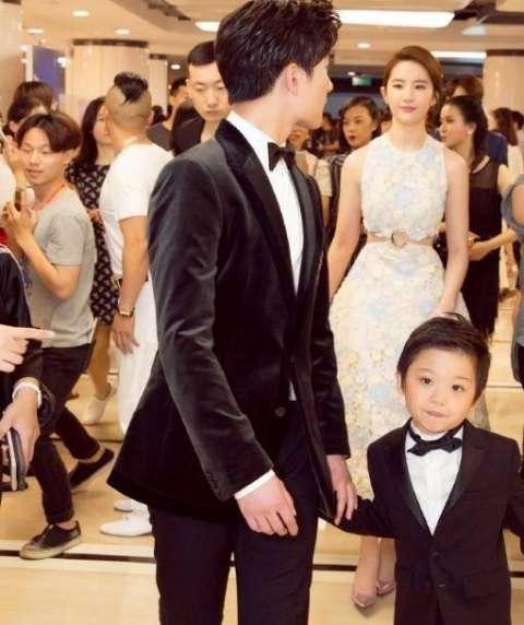 刘亦菲的 一家三口 近照, 有关怀孕的谣言是真的吗