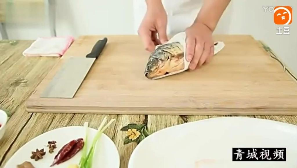家常菜-红烧鲫鱼的做法
