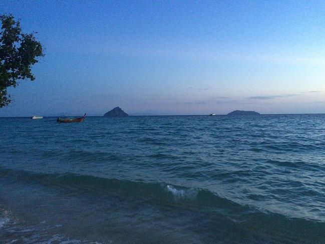 泰国吉普岛下海游记 这里的海水清澈见底