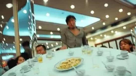 當年香港電影有多節儉? 從烏鴉掀桌子的動作便能夠看出來