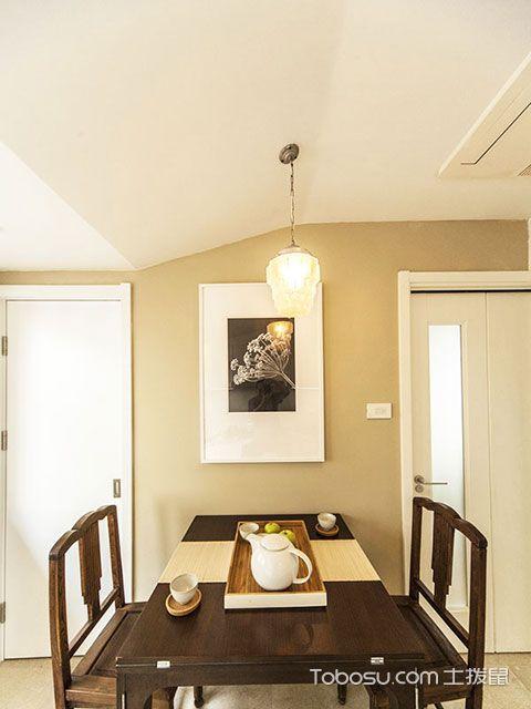 如这款小户型走廊吊顶效果图与客厅装修效果图就好像不属于一个空间内