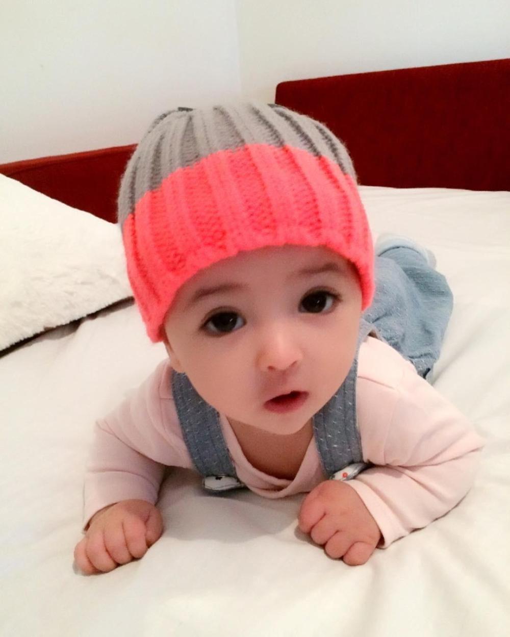 宝宝 壁纸 儿童 孩子 小孩 婴儿 1000_1249 竖版 竖屏 手机