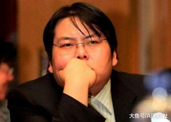 中国最惨首富被京沪列为老赖, 民营企业家泡女明星必死?