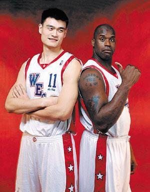 姚明和NBA巨星的合影, 最后一张让我爱上了火箭队
