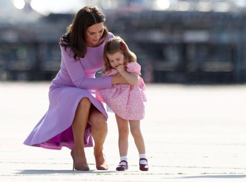 乔治小王子4岁生日 英王室公布其可爱照片