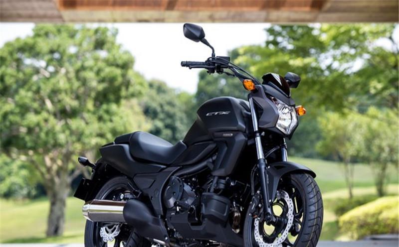 日本作为摩托车大国, 车厂多如牛毛, 为啥骑摩托的人却很少?