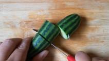 5级厨子教你切青瓜,一直以来都错了,看完实在是佩服!