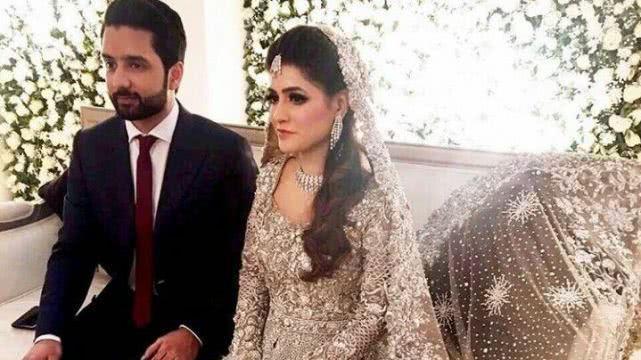 巴基斯坦新娘婚礼极其奢华, 身穿100公斤的婚纱, 被网友痛批