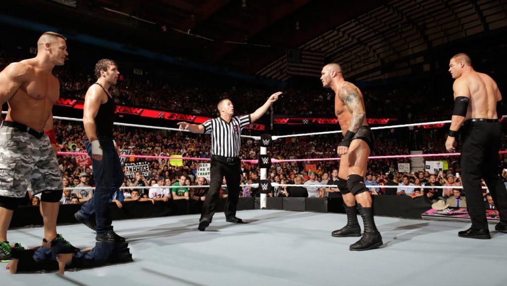 WWE超级大乱斗,约翰塞纳联合心碎小子,暴揍6壮汉!