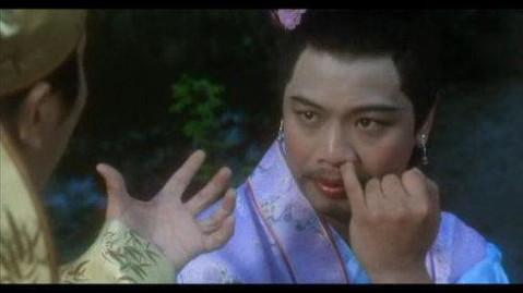 (东北新闻网) 最为经典的如花,那个回眸一笑挖鼻孔的经典动态图就是