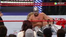 WWE 08年皇家大战 雷尔误伤维奇 遭艾吉空中飞冲肩