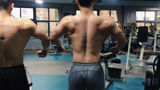 和好朋友一起训练 交流很多健身 学会很多他的背肩胸都好强