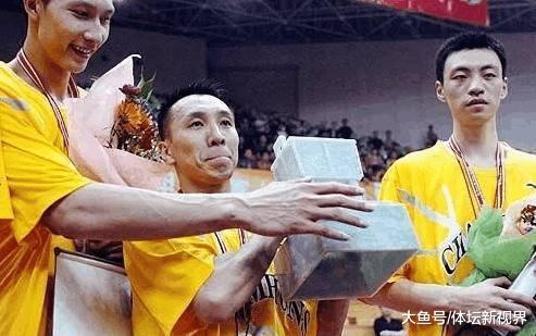 广东宏远队史上最强五虎, 李春江, 杜锋落选, 现役只1人入选! 球迷们认同吗?(图1)