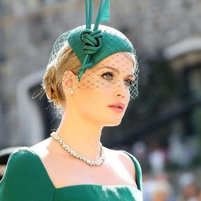哈里王子大婚, 母亲戴安娜王妃是无法到场, 长得最像戴妃的侄女惊艳