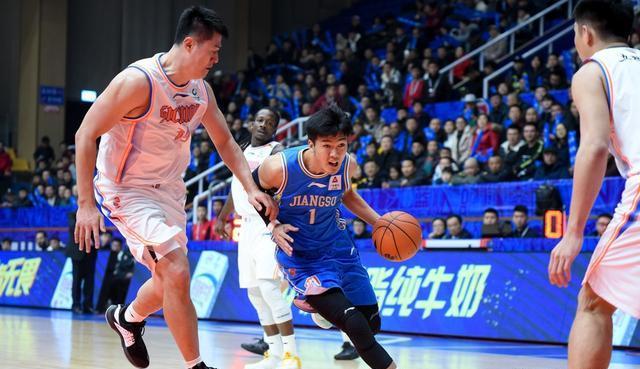 CBA最新排行榜, 辽宁来到第三太强势, 中段球队厮杀依然激烈