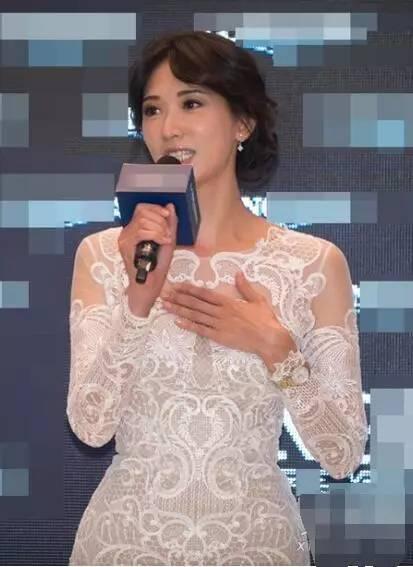 林志玲竟穿成这样来站台, 网友 她已经无所谓了