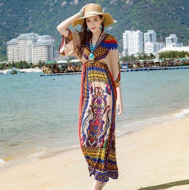 波西米亚长裙半身裙_蓝蓝的海边最适合穿着波西米亚的长裙踩浪花