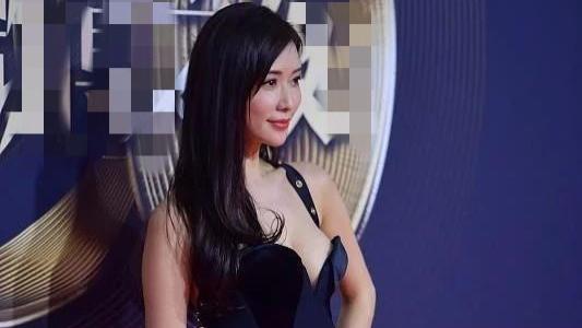 林志玲回国捞金, 身材竟变得如此丰腴, 网友: 是被爱情滋润的吗