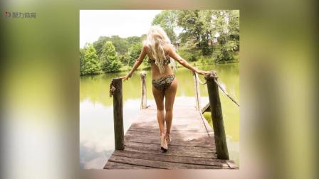 WWE-17年-拉娜泳装写真尽显俄罗斯美女完美身材