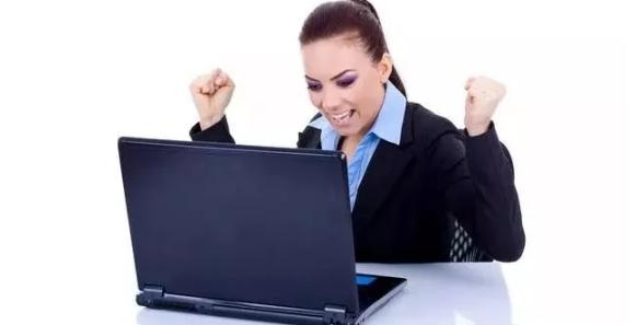 女员工买房急缺10万, 不得已跟领导借钱, 短信堪称模板!