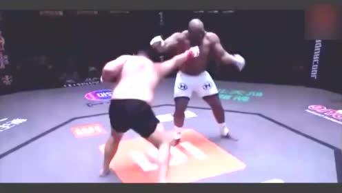 中国拳王敖日格勒ko金刚黑猛兽萨普,仅仅用了39秒真厉害