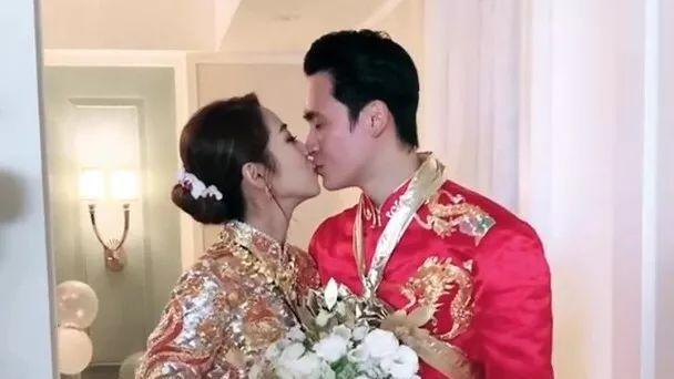 35岁香港女歌手嫁相恋6年台湾男友 不着急生孩子 恭喜恭喜