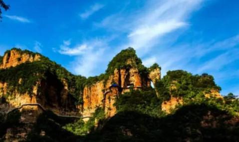 """兴隆山景区的开园,将打破北方""""一季游""""的旅游现状而转为""""四季游""""模式"""