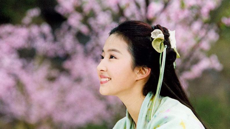 新小龙女出演赵灵儿, 颜值获赞却没有本尊的灵气 刘亦菲再被模仿