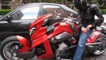 中国最牛的摩托车,天王周杰伦的坐骑,宁可撞豪车也不要碰它!