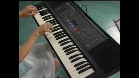 胡歌都被压下来了,从小红帽到大灰狼啊 打开 电子琴练习曲18 - 小红帽图片