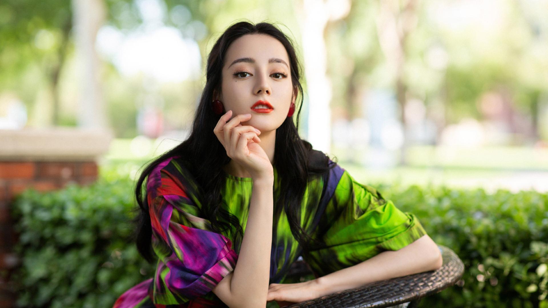水到海外!迪丽热巴入围釜山电影节奖项提名,与多位视影后竞争