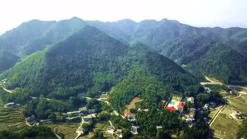 打开 打开 航拍湖南湘潭韶山,伟人故乡住得最高的几户农家路上居然安
