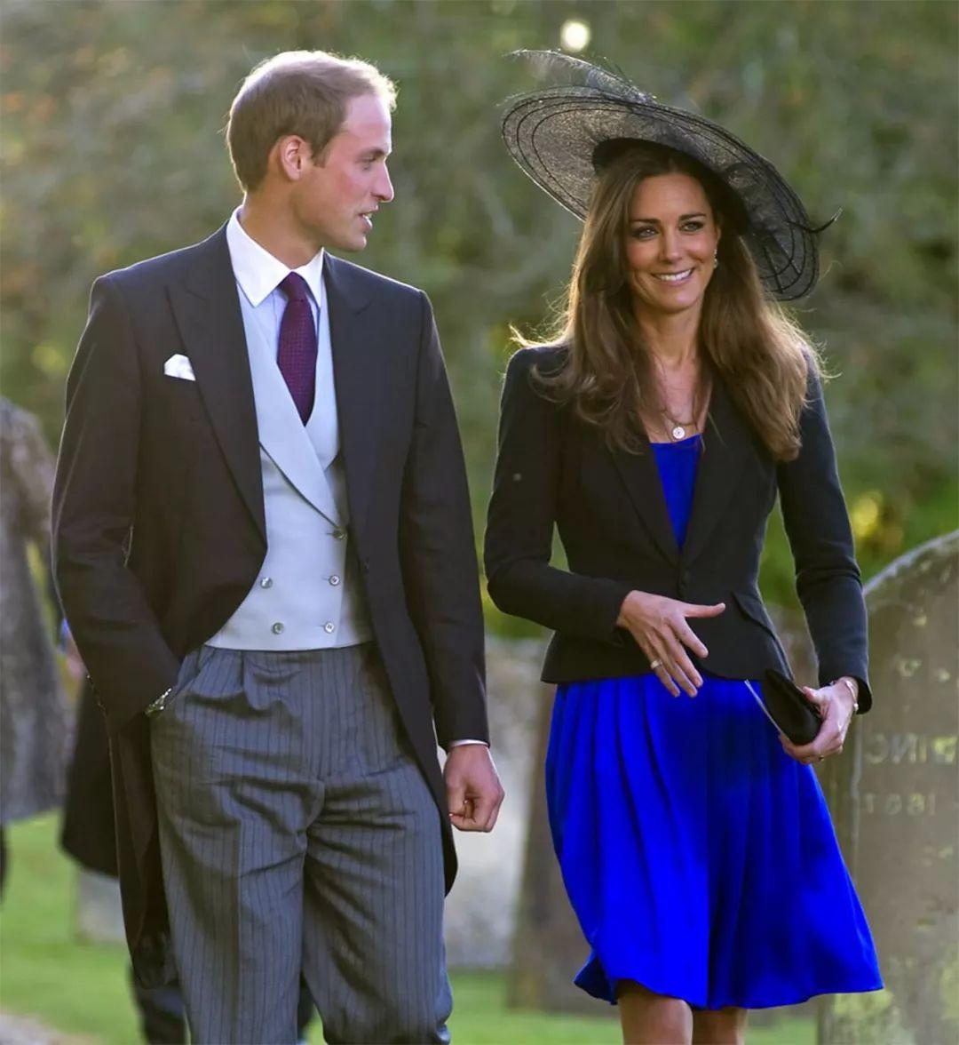 9年前,查尔斯为大儿子未来考虑,不准威廉和凯特打破皇室传统!(图7)