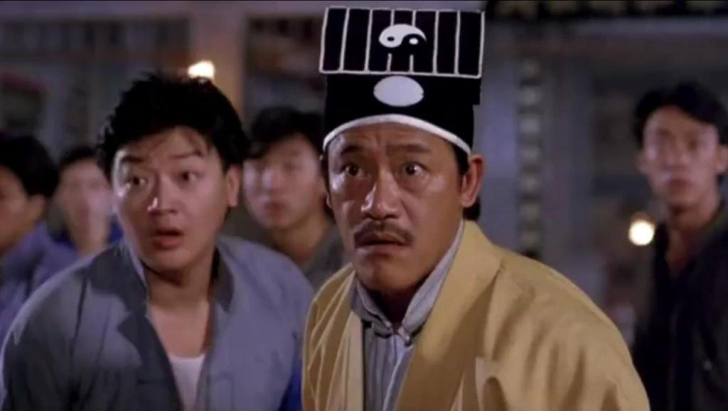 恶鬼只攻击吴耀汉,林正英道行高,其实一早就看出门道