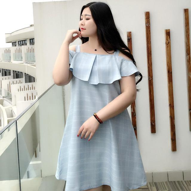 清新一字领连衣裙,肩带一字领能够成功凸显锁骨