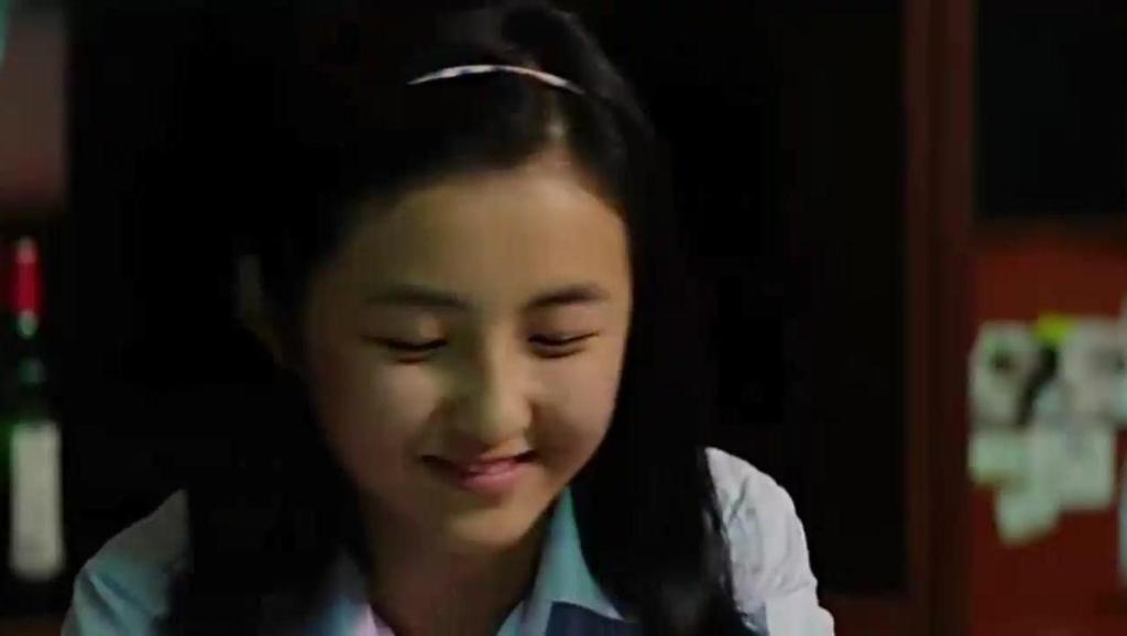 唐人街探案: 在妹子家里聊天,突然神秘的爸爸回来了,刘昊然吓得转身就逃