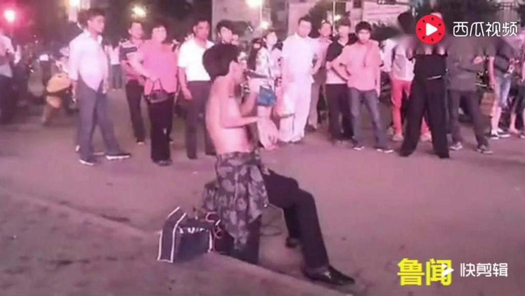 《涛声依旧》残疾流浪歌手街头卖唱 秒杀中国好声音