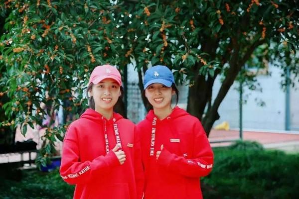双胞胎姐妹花一分之差双双考进上海交大 从小到大的默契