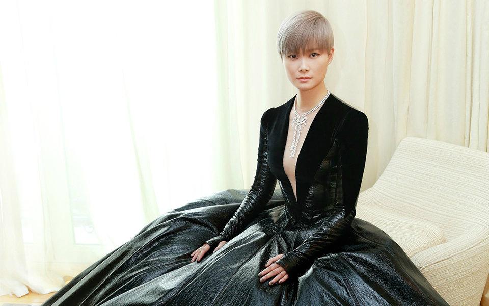 [伪纪录片]黑天鹅女王李宇春的戛纳48小时