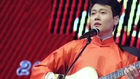 德云小鲜肉孟鹤堂吉他弹唱演唱会,好多歌迷喜欢!