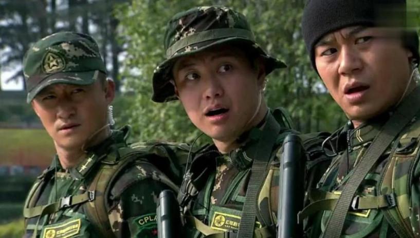 三个特种兵去抢海军陆战队抢饭碗,海军老班长吼起来了