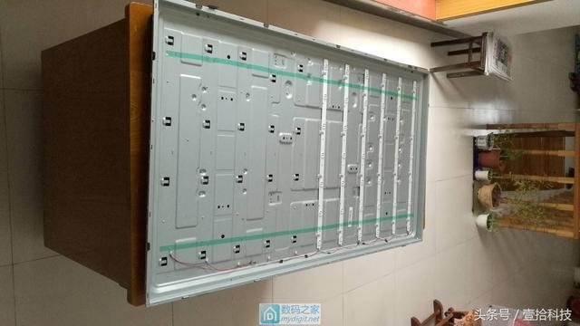 拆修一个海信55英寸液晶电视机