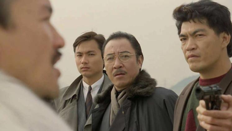 """当年""""迷""""倒刘嘉玲林青霞, 58岁破产妻离子散 香港""""第一""""美男子,"""