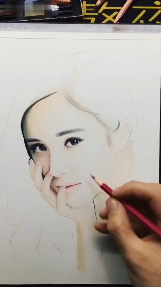 彩铅迪丽热巴手绘图片